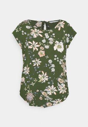 ONLNOVA LUX - T-shirt print - ponderosa pine/blossom green