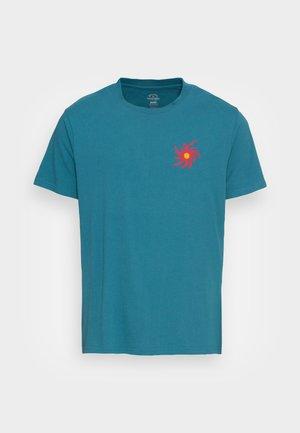 DAY LIGHT  - Print T-shirt - emerald