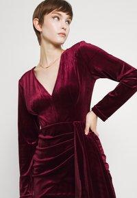 TFNC - RHYS DRESS - Shift dress - burgundy - 3