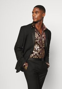 Twisted Tailor - HOLLAND - Chemise - wine - 3