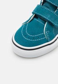 Vans - SK8-MID REISSUE UNISEX - Sneakers hoog - blue coral/true white - 5