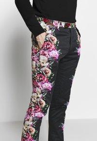 Twisted Tailor - IKEDA SUIT - Oblek - black - 8