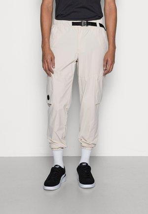 JJIBILL JJMERCER ZIP - Cargo trousers - moonbeam