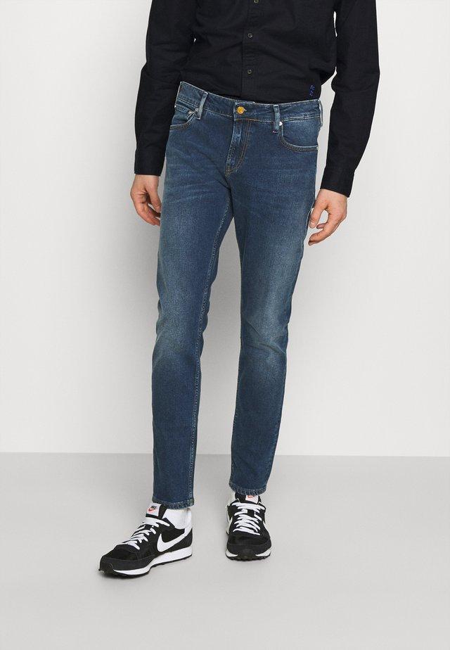 SKIM - Jeans slim fit - blauw sunset