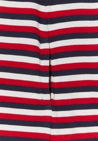 Tommy Hilfiger - STRIPE TEE DRESS - Žerzejové šaty - white - 2