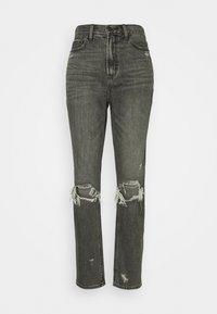 HIGHEST RISE MOM - Slim fit jeans - black wash