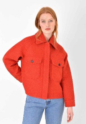 SHORT RETRO - Fleece jacket - red