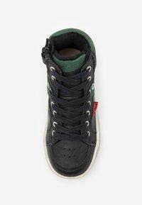 Kickers - LOWELL - Höga sneakers - noir/vert - 3