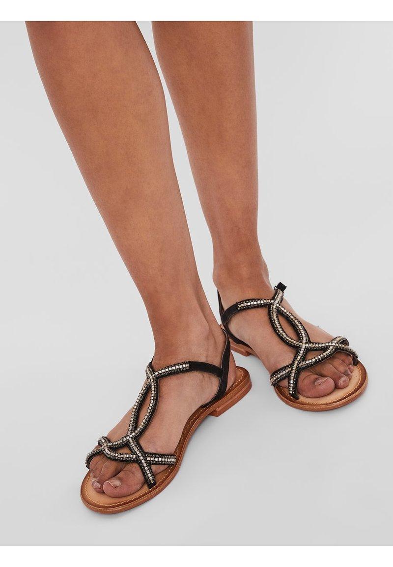 Vero Moda - Sandaler - black