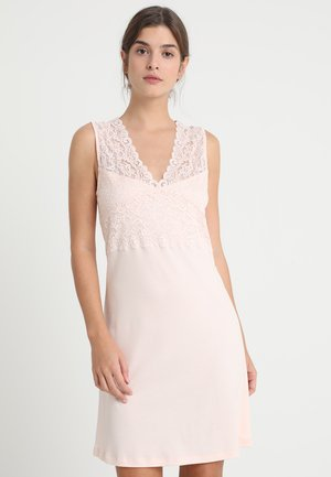 MOMENTS  - Nightie - crystal pink