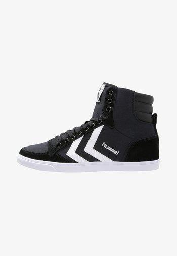SLIMMER STADIL - Sneakers alte - black/white