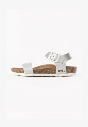 TYCHE - Sandalen - light grey