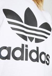 adidas Originals - CREW - Sweatshirt - white - 5
