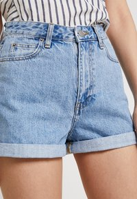 Dr.Denim Tall - JENN - Denim shorts - light retro