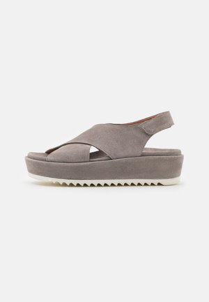 Platform sandals - universo