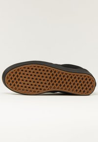 Vans - COMFYCUSH ERA UNISEX - Sneakers - black - 5