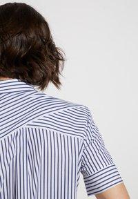 Eterna - MODERN CLASSIC - Button-down blouse - blue/White - 2