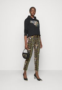 Versace Jeans Couture - Jeans Skinny Fit - black - 1