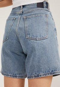 ARMEDANGELS - FREYMAA - Denim shorts - medium washed - 3
