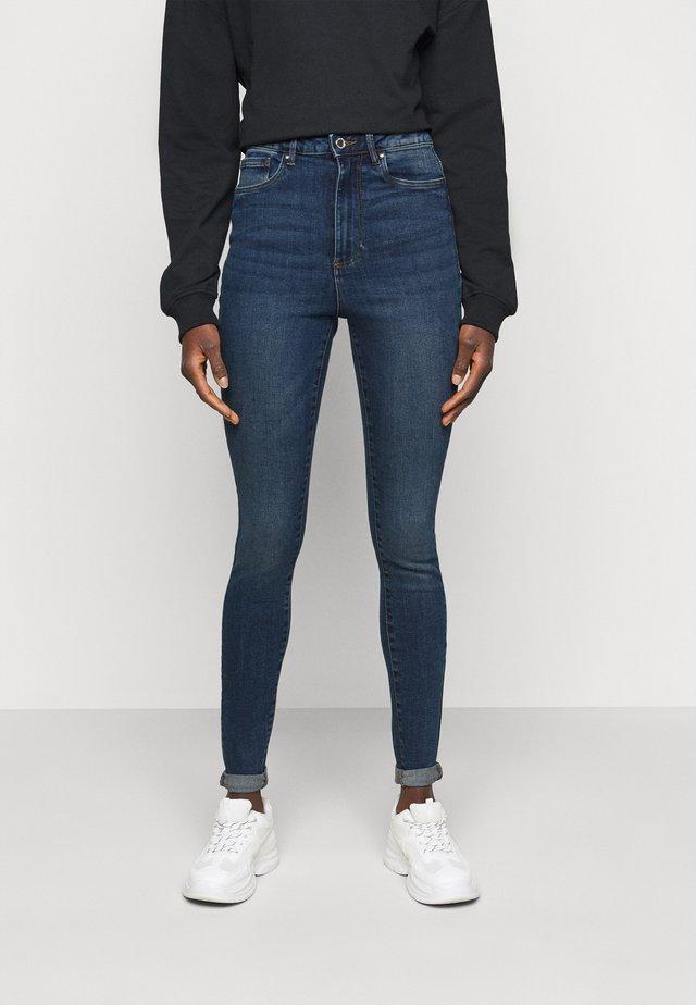 VMLOA  - Skinny džíny - medium blue denim