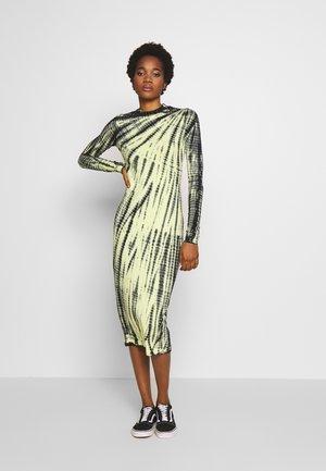 MEJA DRESS - Žerzejové šaty - neon yellow