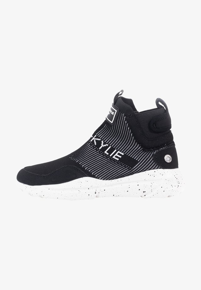 Zapatillas - black/black/white