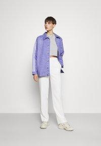 adidas Originals - JACKET - Cowboyjakker - light purple/white/silver met. - 1