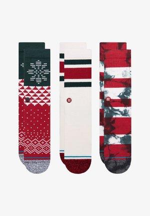 3 PACK - Sports socks - weissrotgruen