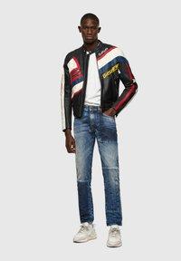 Diesel - D-STRUKT - Straight leg jeans - medium blue - 1