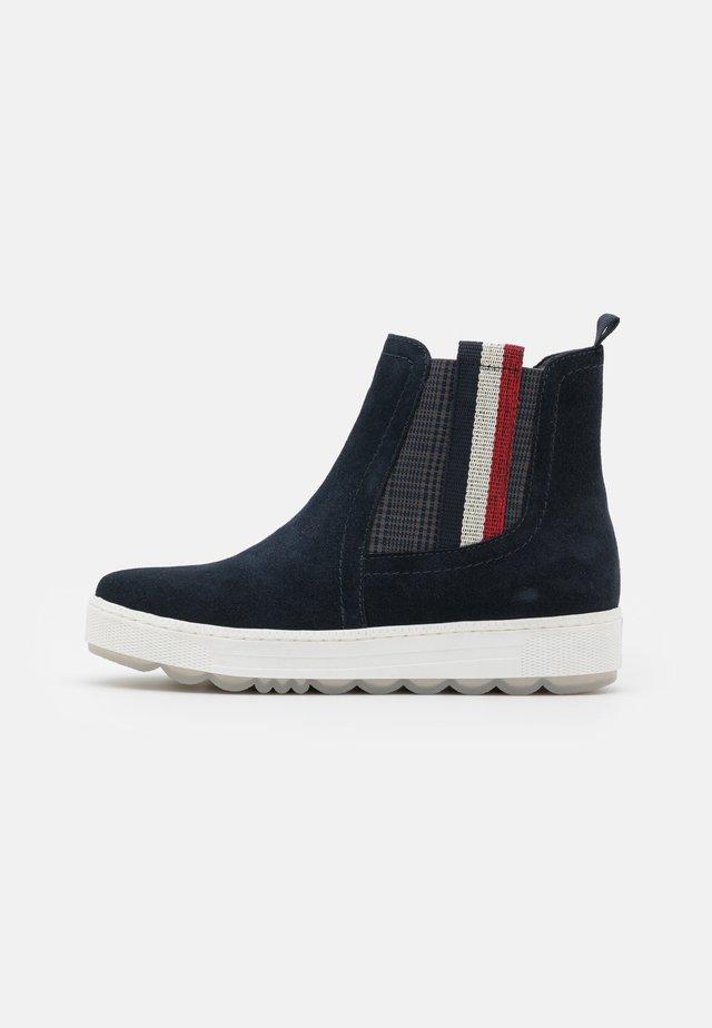 Kotníkové boty - navy