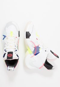 Jordan - WHY NOT 2 SE - Basketbalové boty - white/ghost aqua/hyper royal/volt/sail - 0