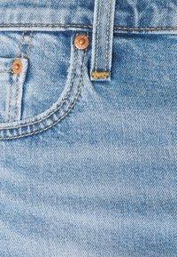 Levi's® - 412™ SLIM - Denim shorts - light-blue denim - 6