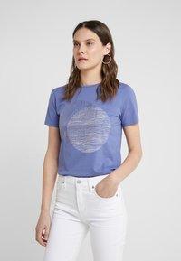 BOSS - TEMOIRE - Print T-shirt - dark purple - 0