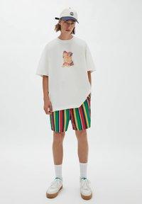 PULL&BEAR - Print T-shirt - off white - 1