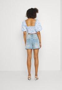 JDY - JDYCARMEN LIFE POCKET - Denim shorts - light blue denim - 2