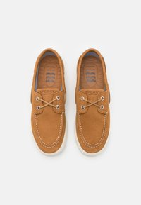 Sperry - BAHAMA PLUSHWAVE - Boat shoes - tan - 3