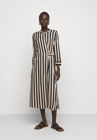 RIANI - KLEID - Denní šaty - beige - 0