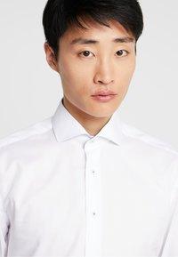 Eterna - SLIM FIT - Kostymskjorta - white - 4