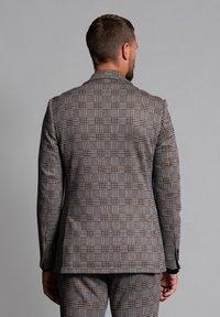 WORMLAND - JARRETT - Suit jacket - braun - 2