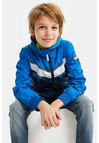 WE Fashion - Overgangsjakker - bright blue - 1