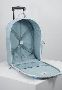 Lässig - ABOUT FRIENDS LOU ARMADILLO - Wheeled suitcase - blue - 5