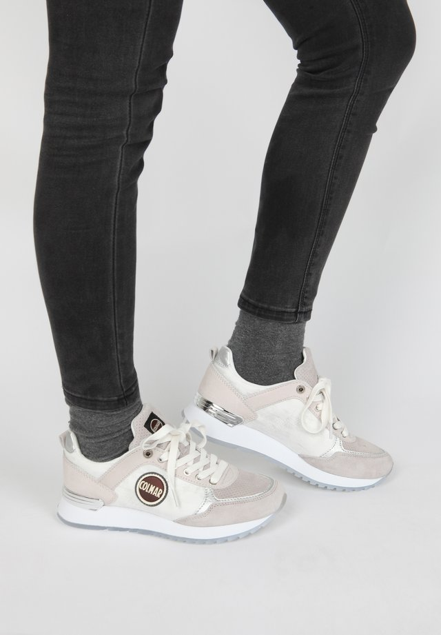SNEAKER TRAVIS PRIME - Trainers - light grey