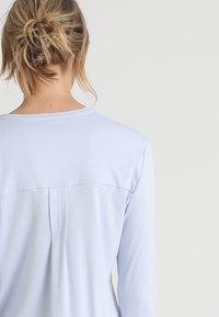 Hanro - PURE ESSENCE SET - Pyjama set - blue glow - 4