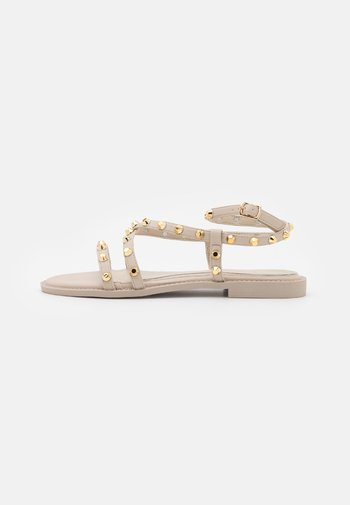 DOME STUD CROSS OVER STRAPPY FLAT - Sandals - cream