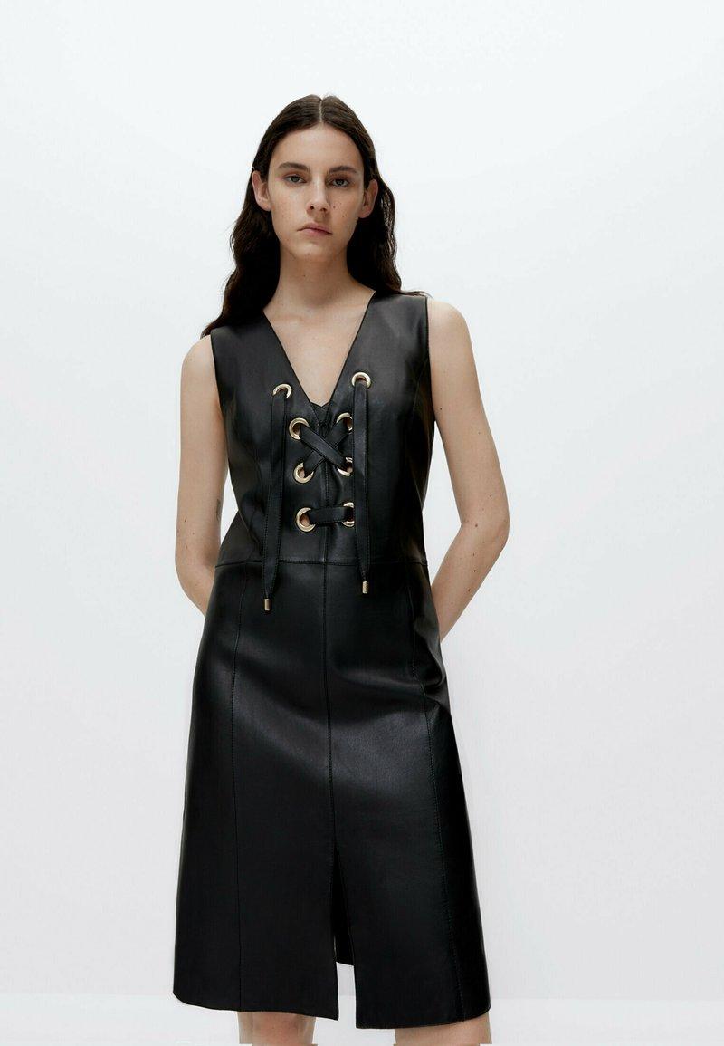 Uterqüe - Shift dress - black