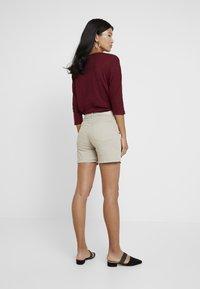 Cortefiel - BASIC - Jeansshorts - beige/camel - 2