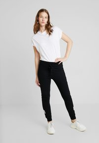 Liu Jo Jeans - PANT LUNGO - Pantalon de survêtement - nero - 1