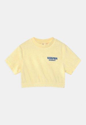 MINI TOWELLING TEE - Printtipaita - transparent yellow
