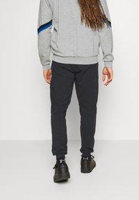 Diadora - CUFF SUIT CORE SET - Trainingsanzug - light middle grey melange - 4