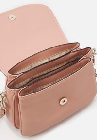 Guess - HANDBAG DESTINY SHOULDER BAG - Handbag - blush - 3